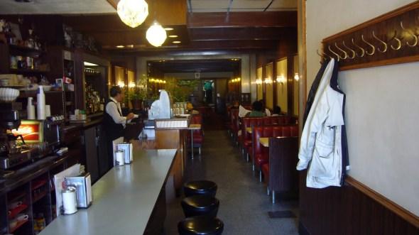 Skyline Restaurant / Parkdale