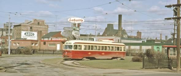 photo-toronto-parliament-streetcar-loop-king-street-1962